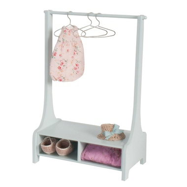 jouets poup es et maisons portant v tements en bois rose milk. Black Bedroom Furniture Sets. Home Design Ideas