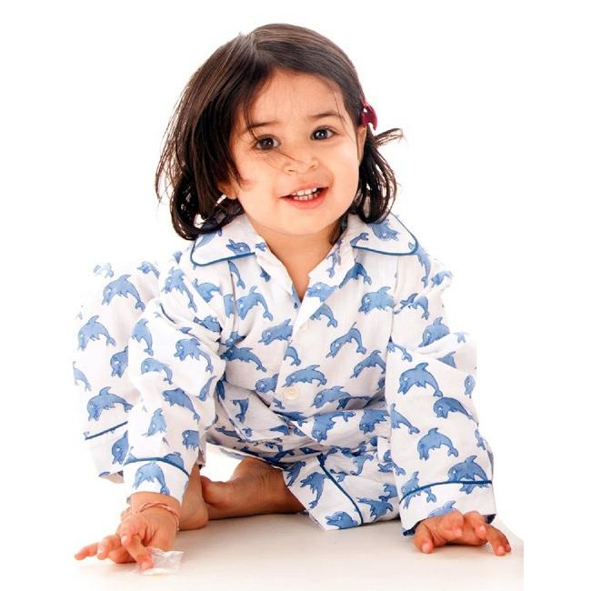 mode gar on 2 6 ans pyjama dauphins bleus rose milk. Black Bedroom Furniture Sets. Home Design Ideas